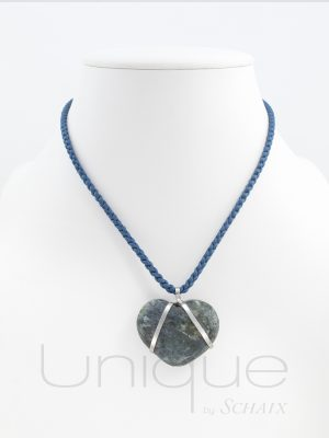 jewel-jewels-jewellery-hand-made-in-france-paris-unique-silk-thread-pendant-silver-kyanite-heart-love-valentine-gift-idea